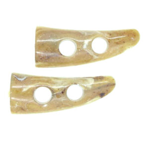 Marbled flat back toggle buttons