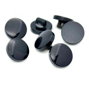 black flat buttons